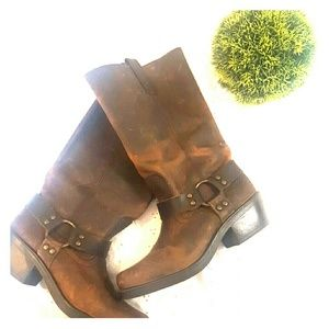 Mossimo Weatern Boots with buckle
